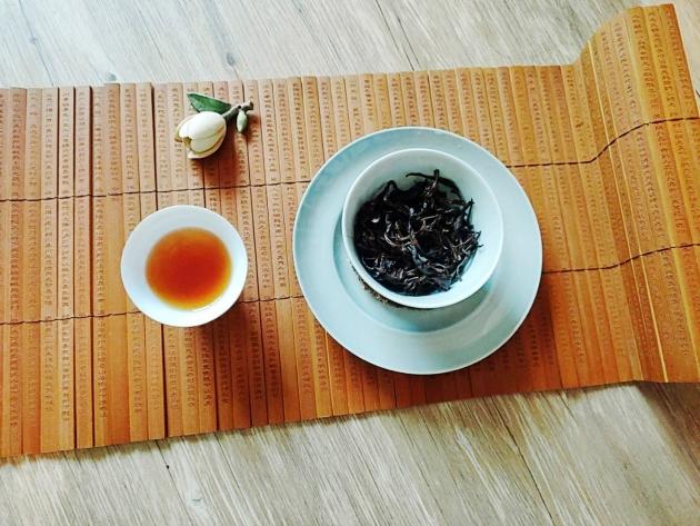 喬木野韻山白茶(陳期3年)完售 2